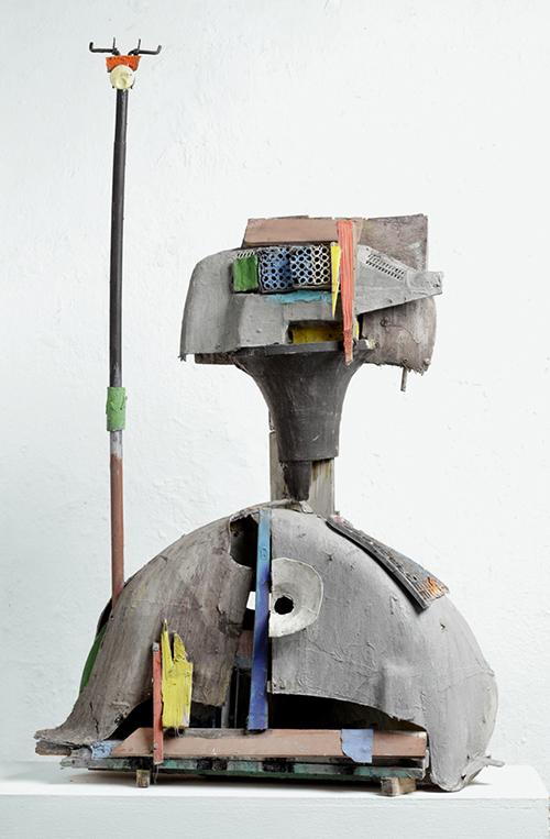 Menno Fahl, Figur mit Wimpel, versch. Materialien bemalt, 140 x 80 x 30 cm, 2016